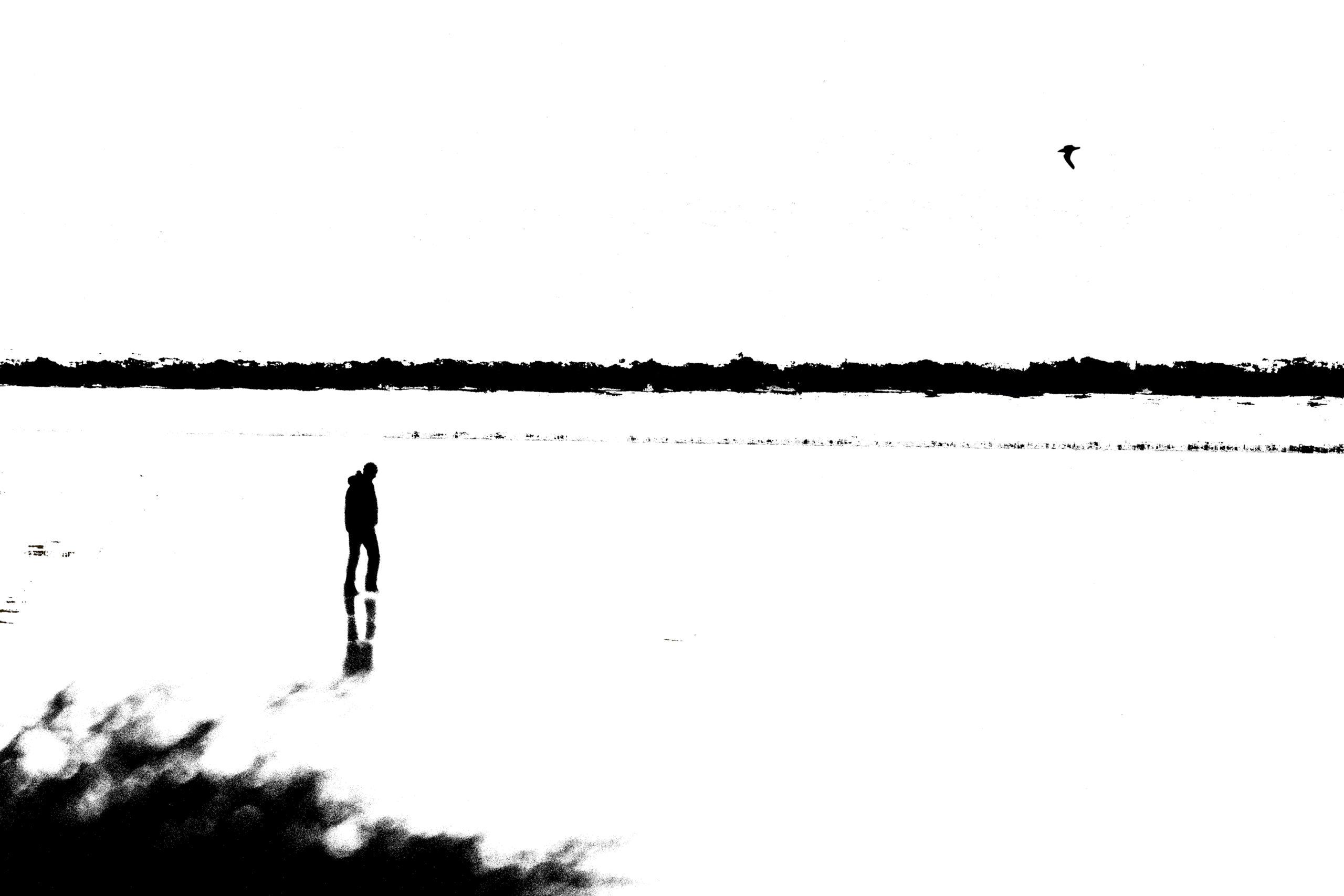 can-naotan-man-on-beach